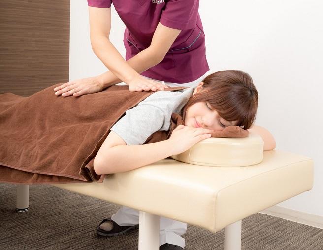 顔のむくみが治らないのは病気の可能性大!サインを知る3つの方法