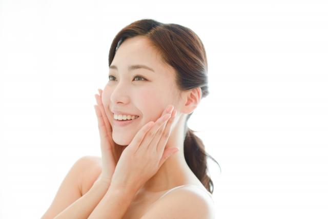 乾燥は肌トラブル最大の原因!おすすめのケア方法を紹介
